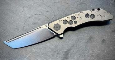 Tuya Knife Titan The Hive v2 grey satin